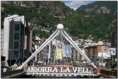 Pont de París, Andorra la Vella (Andorra) (Jesús Cano Sánchez) Tags: elsenyordelsbertins canon eos20d tamron18200 vacances2018 andorra pirineus pirineos pyrenees andorralavella pont puente bridge