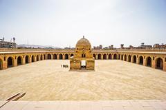 Mezquita Ibn Tulun. Cairo, Egipto. (pablocba) Tags: ibn tulun mezquita moske mosque cairo egipto egypt travel sony ilce6000 a6000 civilization civilizacion history historia cultura culture beauty