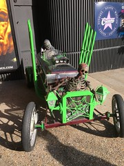 Death racers. (Bennydorm) Tags: street creepy bankside city urban weird iphone6s iphone octobre october inghilterra inglaterra angleterre europe uk gb britain england london amusing motoring wheels haha funny hotrod deathrace death scary macabre skeletons spooky motor racer car vehicle