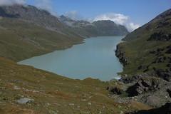 vue arrière sur le lac des Dix (bulbocode909) Tags: valais suisse valdesdix lacdesdix lacs montagnes nature nuages paysages vert bleu rochers