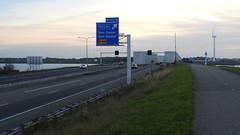 DSCN8825 (DutchRoadMovies) Tags: stevinsluizen afsluitdijk den oever a7 rijksweg ijsselmeer waddenzee bridge lake freeway motorway water sea locks