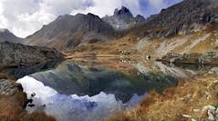 il pranzo è servito (art & mountains) Tags: alpi alps orobie brembana confine laghialpini paesaggio cime creste acqua riflessi natura silenzio contemplazione esc esp gulp sosta condivisione vision dream spirit scotch