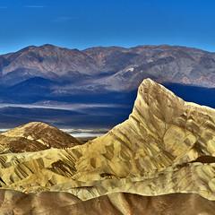 Zabriskie Point at Sunrise - Death Valley National Park (W_von_S) Tags: deathvalley deathvalleynationalpark desert wüste berge mountains sunrise sonnenaufgang contrast color colorful farbig farbkontrast landschaft landscape panorama paysage paesaggio usa us california kalifornien southwest südwesten america amerika sony sonyilce7rm2 wvons werner 400mm natur nature blue yellow furnacecreek