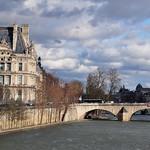 Bords de Seine, quai Aimé Césaire, Paris Ier, Île-de-France, France. thumbnail