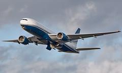N777UK - Boeing 777-212(ER) - LHR (Seán Noel O'Connell) Tags: n777uk boeing 777212er b777 b772 777 heathrowairport heathrow lhr egll 27r lbg lfpb vip bizjet aviation avgeek aviationphotography planespotting
