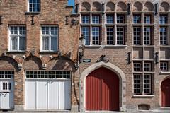 Bruges (Brugge), West-Vlaanderen, Belgium (takasphoto.com) Tags: apsc belgium bridge bruges brugge brügge canal canals europe flemishregion fuji fujixe3 fujixe3fujifilm fujifilm fujifilmxe3 fujinon fujinonlensxf18135mmf3556rlmoiswr fujinonxf18135mmf3556rlmoiswr lens mirrorless unesco venice westflanders westerneurope worldheritagesite xe3 xmount xtranscmosiii xtransiii xf18135 フジノン フジフィルム ブリュージュ ブルッヘ ブルージュ ベルギー architecture river water traditional preserved