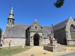 Bretagne. Kermaria An Isquit. XIII th Century. (Traveling with Simone) Tags: chapel kermariaanisquit church chapelle grass architecture building granit granite tree stonework wall sky medieval religious catholic cross belltower plouha côtesdarmor clocher brittany bretagne
