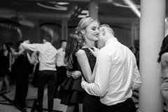 FOT. JAREK OLSZEWSKI (jarek_olszewski_photographer) Tags: studniowkowezdjecia beznudy zusmiechem studniowka bal matura polonez taniec zabawa radosc przyjaciele klasa szkola