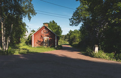 Yes, there is an intersection in Lappo (ZeiR) Tags: lappo archipelago finland summer june midsummer janneruohonen sonyalpha6300 sonye1650mmf3556oss ilce6300 barn brändö åland