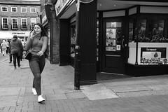 Folks on the Cornhill  Bury St Edmunds (Bury Gardener) Tags: nikond7200 nikon england eastanglia uk britain 2018 bw blackandwhite suffolk streetphotography street streetcandids strangers candid candids people peoplewatching folks cornhill