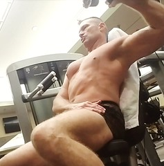 shoulder press (ddman_70) Tags: shirtless pecs abs muscle gym workout shortshorts