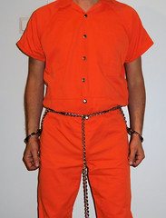 jail hopping: different facilities, different clothing, different restraints (rainerzufall1234) Tags: handcuffs handcuffed inmate uniform prisoner jail bellychain restraints