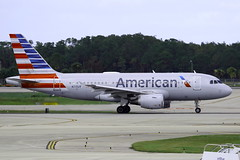 N715UW AMERICAN AIRLINES AIRBUS A319-112 (Roger Lockwood) Tags: n715uw americanairlines airbusa319 southwestfloridaintlairport rsw krsw