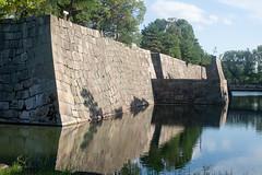 二条城の石垣 (kasa51) Tags: stonewall castle kyoto japan 石垣 二条城 tokugawaieyasu 徳川家康 堀 moat reflection