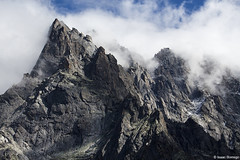 Cliffs of L'aiguille (isaac.borrego) Tags: france chamonix alps frenchalps europe