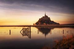La luz mágica de Saint Michel (niripla) Tags: bretagne bretaña saintmichel saintmichael saintmalo francia europa abadía sunset
