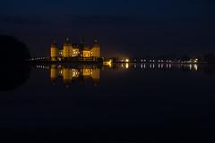 Schloß Moritzburg zur blauen Stunde (lebastian) Tags: sony dscrx100m3 2470mm f1828 blaue stunde bluehour