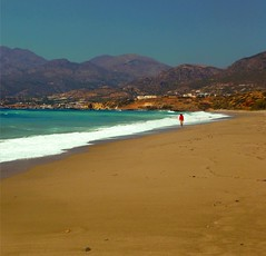 South Crete (Pap_rika) Tags: summerholidays summermood crete swimming beach walking landscapephotography seaside goldensand people outdooractivities