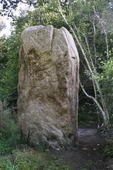 Dolmens et Menhirs (TarValanion) Tags: bretagne finistère roche pierre menhir megalithes