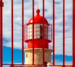 Red Stripes - Cabo de Sao Vicente Lighthouse (photofitzp) Tags: algarve cabodesaovicente colour light lighthouse portugal red sagres