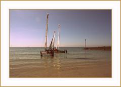 Partir . . .c'est quitter son cocon (nickylechatreux) Tags: vacances vague summer océan mer bretagne bateau naviguer plage ciel baie