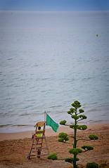 Adéu a l'estiu! (josepponsibusquet.) Tags: mediterrani mediterrànea mediterraneo blau azul platja playa socorrista banderaverda estiu tardor verano otoño esperant bany baño elsgriells griells lestartit estartit costabrava baixempordà catalunya catalonia cataluña planta mirador escala