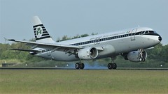 EI-DVM (AnDyMHoLdEn) Tags: aerlingus a320 retrolivery egcc airport manchester manchesterairport 05r