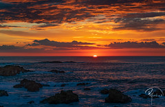ruimiguelmartiins20 de outubro de 2018 (ruimiguelmartiins) Tags: pôrdosol sunset water sea ocean clouds portugal outubro mar sol sun rocks view