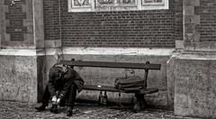 Vivre au ban de la société - Living on the ban of society (p.franche Occupé - Buzzy) Tags: instantané streetshot snapshot humain people urbaine ban banc pauvre alcool société homme instant human urban bench poor alcohol society man sony sonyalpha65 dxo photolab bruxelles brussel brussels belgium belgique belgïe europe pfranche pascalfranche skancheli monochrome noiretblanc blackandwhite zwartwit blanconegro schwarzweis μαύροκαιάσπρο inbiancoenero 白黒 黑白 чернобелоеизображение svartochvitt أبيضوأسود mustavalkoinen שוואַרץאוןווייַס bestofbw