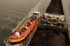 Kanaal door Zuid Beveland (Omroep Zeeland) Tags: kanaal door zuid beveland sluizencomplex hansweert vlakebrug bunkerboot zwaantje 8