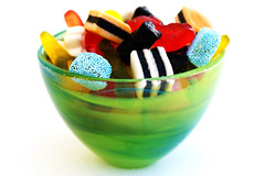 slik_2-BU8amEmh2OBTRLeGWrxdTw (hamderkannoget) Tags: food isolated bowl tasty vase colored sugary colorful objects sweet candy macro dessert delicious yellow green glass group many multicolored vibrant nobody orange gourmet bright red closeup white sugar eating assorted licorice liquorice winegums