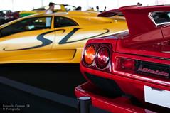 Diablo (Eduardo F S Gomes) Tags: nikon d300s f18 35mm nikkor italian yellow red toro touro lamborghini diablo sv supercar car