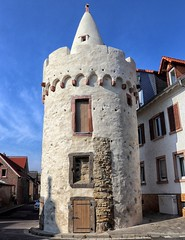 Bergen Weißer Turm erbaut 1472 (wernerfunk) Tags: turm hessen architektur stadtbefestigung