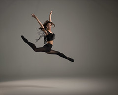 Nina (Photography of Dance) Tags: ballet ballerina pointeshoes tutu leotard abs fit nikon d850 paulcbuff einsteins cloudbreakcreative