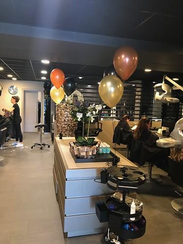Tafeldecoratie 3ballonnen John Beerens Haarstudio Tilburg