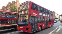 P1140351 VMH2453 LK18 AHE at Gloucester Place Marylebone London (LJ61 GXN (was LK60 HPJ)) Tags: metroline volvob5lhybrid mcv evoseti mcvevoseti 105m 10490mm vmh2453 lk18ahe nb904