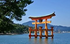 Japan: Miyajima island torii (Henk Binnendijk) Tags: miyajimaisland hatsukaichi hiroshima japan floatingtorii itsukushimashrine