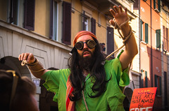 ARRRRRRRR (1) (damar47) Tags: pentax pentaxiani pentaxian da50200mm street urban pride gaypride lgbt bologna italy italia reflex colorfull colors streetcolor streetstyle candid documentary parade people stranger portrait ritratto happiness ricoh streetphotography city citycenter color closer zooming zoom face glasses screaming pirate rope