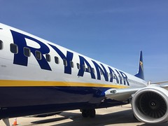 Ryanair EI-DYC (anthonymurphy5) Tags: landing takeoff runway aircraft mallorca flight aviationphotography aviationpictures aviation airport ryanair boeing737800 eidyc palmamallorcaairport