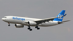 IMG_6922 EC-LQO (biggles7474) Tags: lgw egkk london gatwick airport eclqo airbus a330 air europa a330243 a332