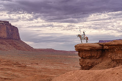 Monument Valley.... more than 100 years ago (Luis Llebrez) Tags: monumentvalley