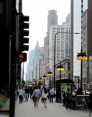 Michigan Avenue, Chicago (Dan_DC) Tags: chicago michiganavenue downtown theloop urban city people pedestrians traffic busy street sidewalk streetlamps