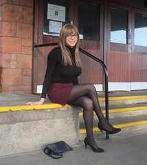 Sidestepping (Starrynowhere) Tags: crossdresser transvestite tgirl tranny dressedasagirl wearingwomensclothes legs crossedlegs tights nylons pantyhose glasses emmaballantyne starrynowhere rollneck