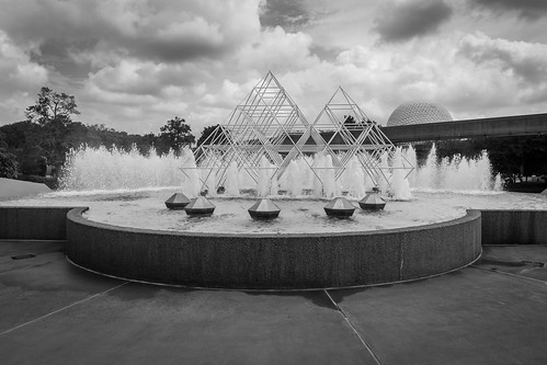 Epcot - Water Fountains