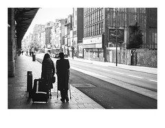 161105_00022_OM2n_city fragment 14/19 (A Is To B As B Is To C) Tags: aistobasbistoc b belgië belgium antwerpen antwerp antwerpencentraal diamantwijk pelikaanstraat olympus om2n analog film kodak tmax bw blackwhite blackandwhite monochrome people street streetphotography city cityscape citylife urban building wall sidewalk shadow travel travelling chassidic jews couple