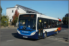 39690, Corporation Street (Jason 87030) Tags: enviro kx08lvl 39690 road corporationst street sunny weather tuesday september 2018 rugby warwickshire busstop e200 63 service route red white blue orange stagecoach midlands