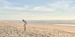 (thierrylothon) Tags: océan plage aquitaine gironde presquilecapferret capferretocéan piraillan fujifilm fujixpro2 fujinonxf35f2rwr paysage personnage 03aplage phaseone captureonepro c1pro fluxapple flickr france fr