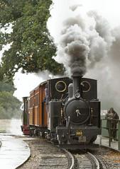 Blasting up the hill (WelshHatter2000) Tags: statfoldbarnrailway hunslet 460t 303 wardepartment 1916 1215 worldwarone narrowgauge steam locomotive gala