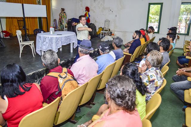 Reunião de Pereira com feirantes