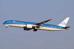 PH-BHM (JBoulin94) Tags: phbhm klm royal dutch airlines boeing 7879 dreamliner washington dulles international airport iad kiad usa virginia va john boulin